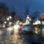 夜の雨の日の運転は視界が悪くて見えない!コツはあるの?