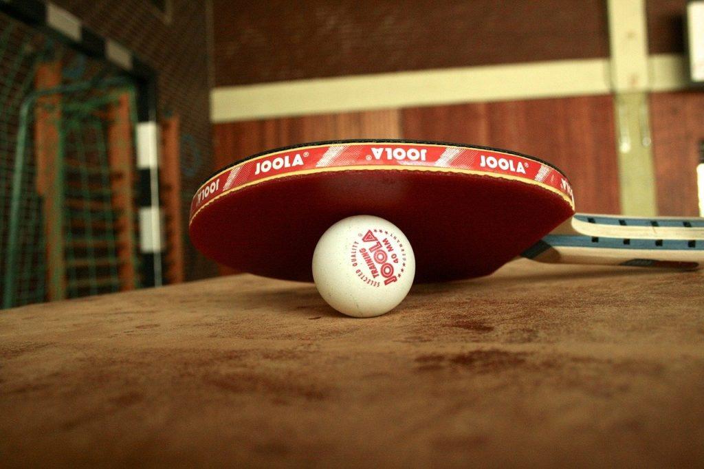 卓球ルールにラケットの大きさや形に違反なし?ラバーの色も選べる時代に!
