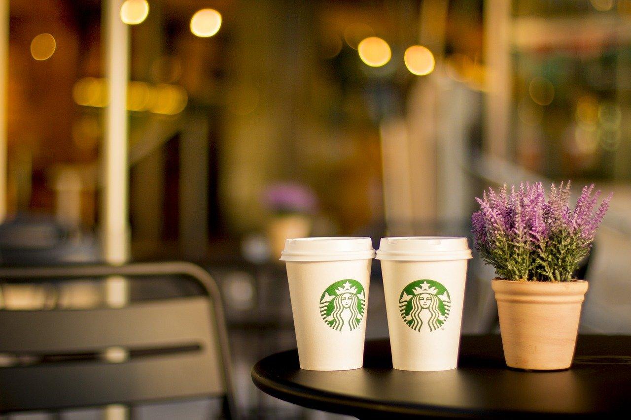 バレンタインは甘くないチョコ以外のスターバックスコーヒーも人気!オリガミなど