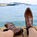 【新聞紙以外】濡れた靴を早く乾かす方法・足がかゆい対策!乾燥剤やシリカゲルなど