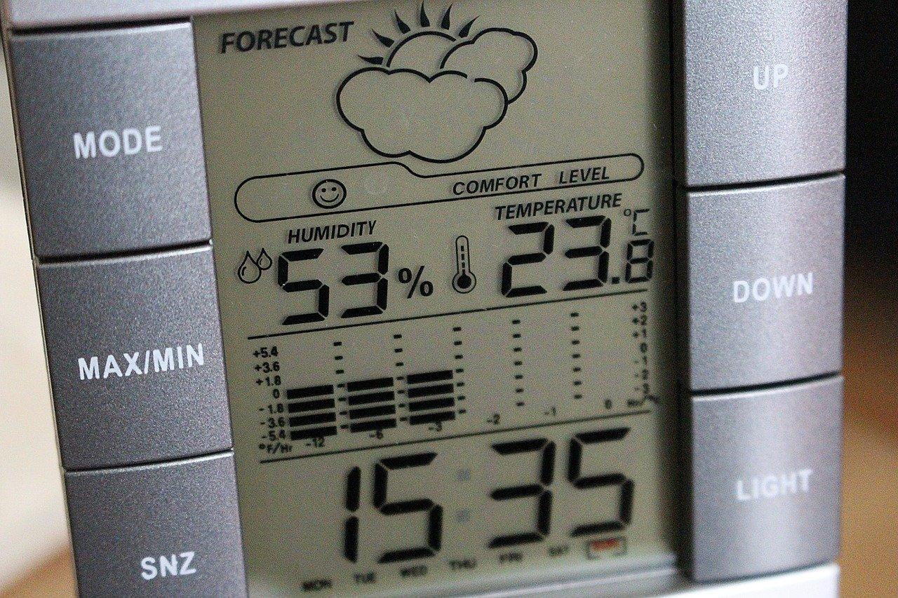 押し入れの湿気がひどい!カビ対策・湿気対策おすすめ5選!湿気とりボード、珪藻土など