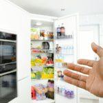 寝苦しい夏はUSB型ミニ冷蔵庫が便利!冷えたペットボトルで熱中症対策を!